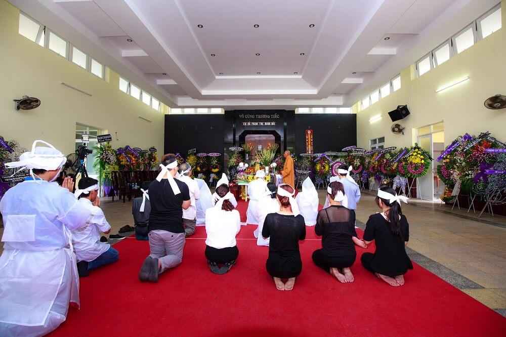 Quy trình tổ chức tang lễ cho người trên 100 tuổi theo đúng phong tục, tín ngưỡng